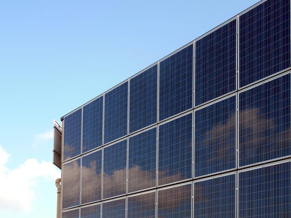 Comment réussir l'entretien de ses panneaux solaires ?